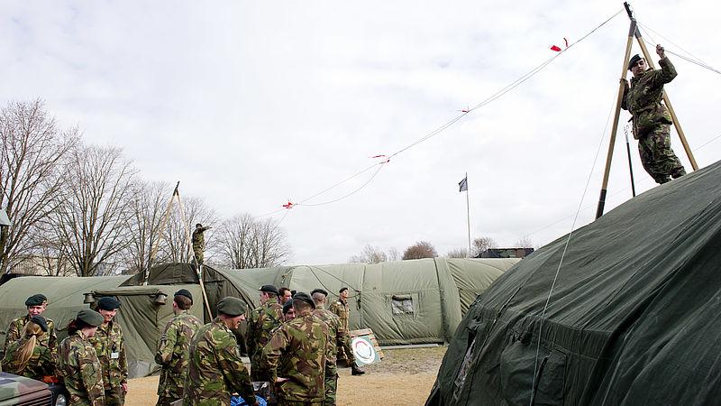 Defensie pakt veiligheidszaken traag aan, en dat levert gevaar op voor het personeel