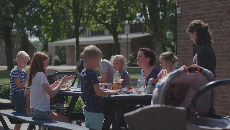 Kinderen uit Heide bij buurtcoöperatie de Schól