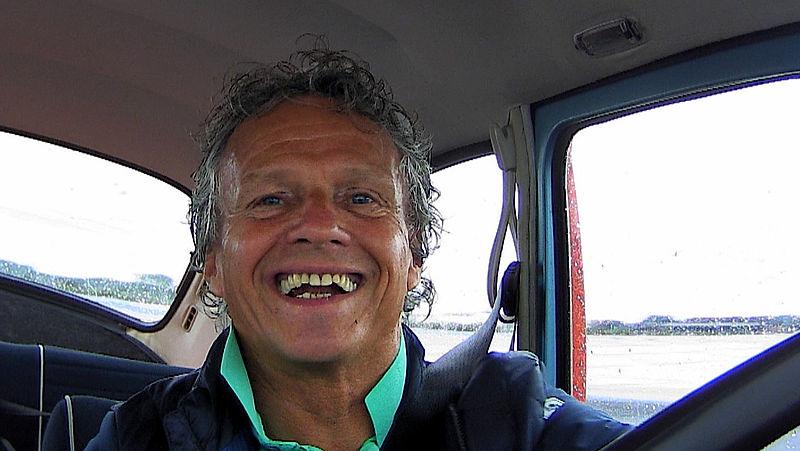 Jan Lammers driftend in Kever: 'Na 35 jaar rust maken we een paar dagen herrie op Zandvoort'
