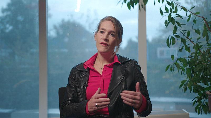 Financieel adviseur Femke Hogema schreef het boek Ondernemen in crisistijd