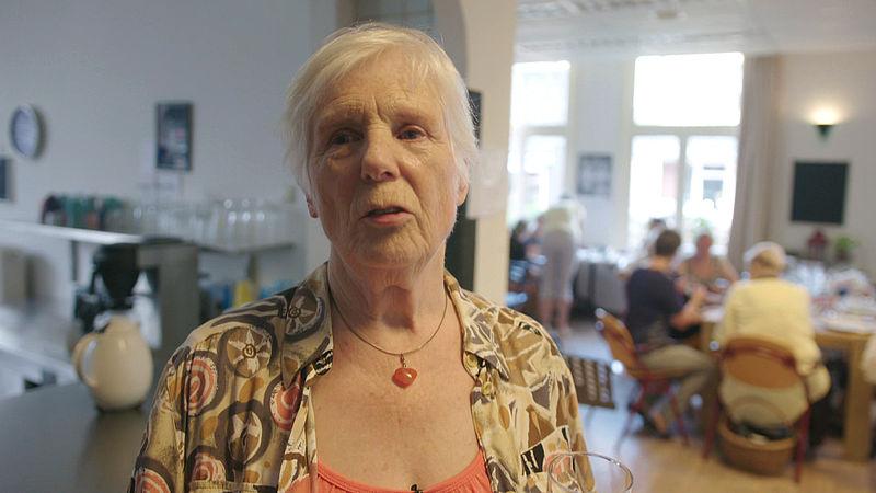 In het dorpscentrum vond Mieke (80) haar levenslust terug: 'Ik ben van niemand weer iemand geworden'