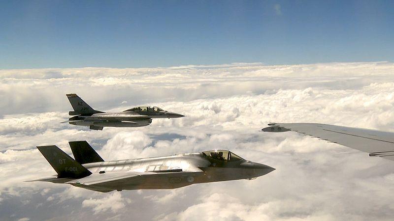 JSF's in de lucht