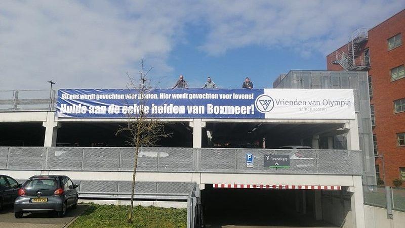 spandoek van de businessclub Vrienden van Olympia voor zorgpersoneel van het Maasziekenhuis in Beugen