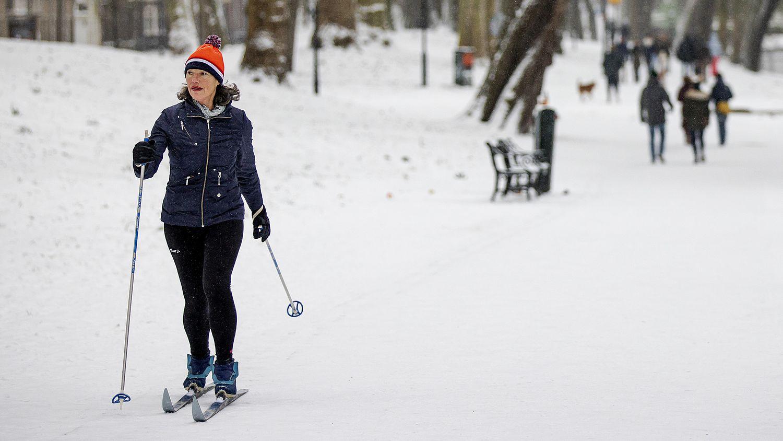Winterpret in Nederland: neem het ervan, want volgens deze weerman kan het de laatste keer zijn dat het zo koud is - Eén Vandaag