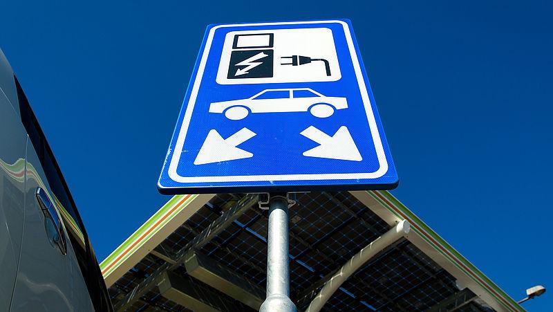 Weg met diesel en benzine? Ook de elektrische auto is vervuilend