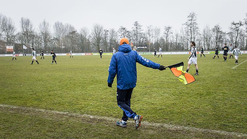 Er is volop racisme in het amateurvoetbal, maar niemand zegt er iets van
