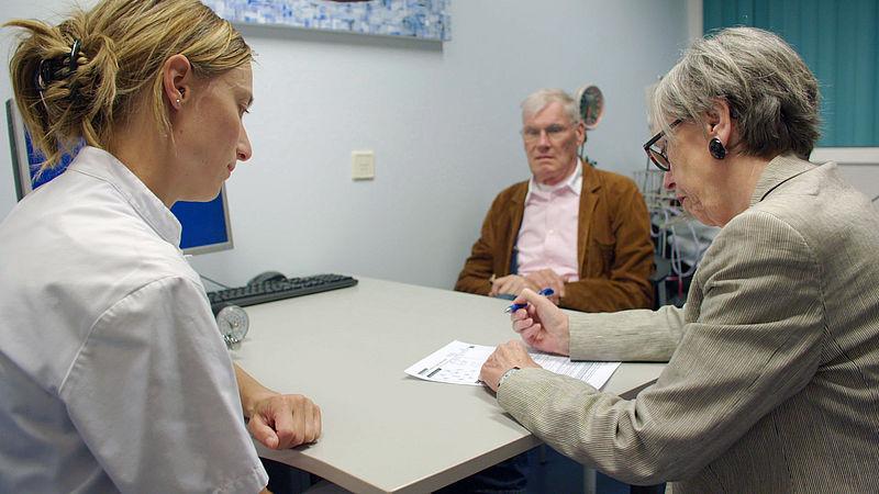 Artsen willen meer onderzoek naar uitkomst medische behandeling bij ouderen