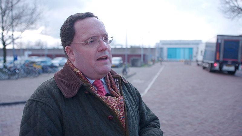 Burgemeester Vught 'houdt zijn hart vast' en wil daarom een einde aan dagelijkse transporten van gevaarlijke criminelen