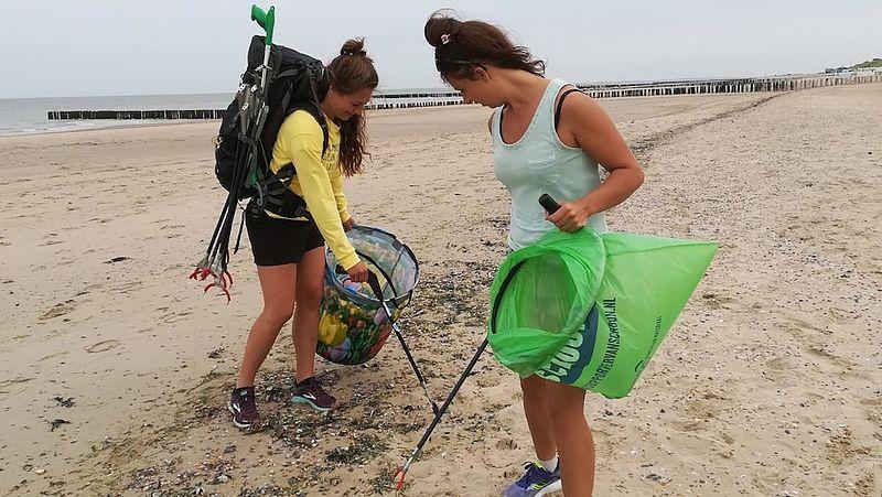 Tess is trots op haar beste vriendin en helpt Steef met het opruimen van afval