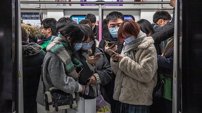 Het openbaar vervoer in Wuhan is weer druk