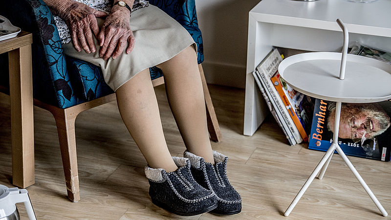 VVD en GroenLinks willen meer onderzoek naar effectiviteit van behandelingen bij kwetsbare ouderen