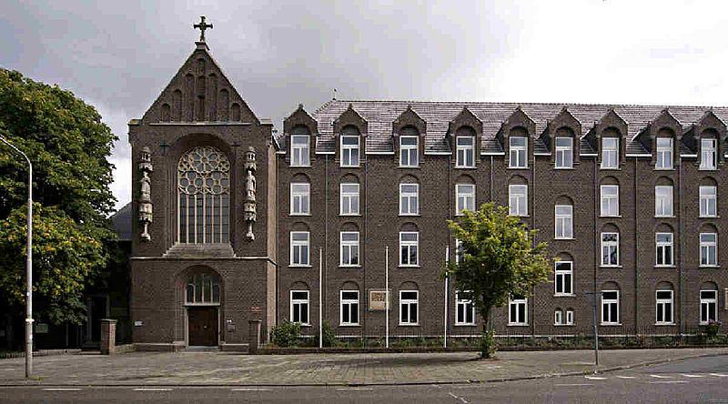 Te koop: klooster van Wittem, inclusief zes paters