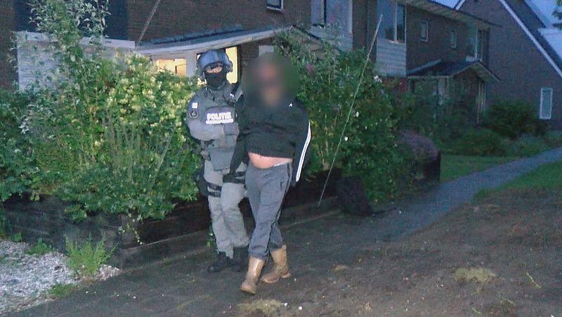 Politie doet invallen in panden door heel Zeeland bij grootschalig onderzoek naar cocaïnesmokkel in de haven van Vlissingen