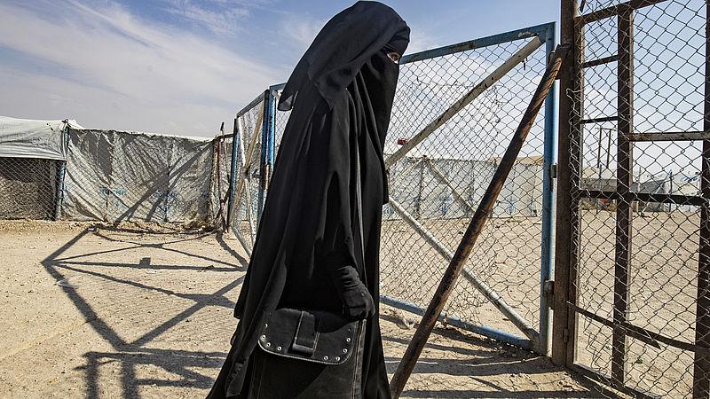 Nederlandse IS-vrouw ontsnapt uit kamp en op het punt om naar Nederland te komen