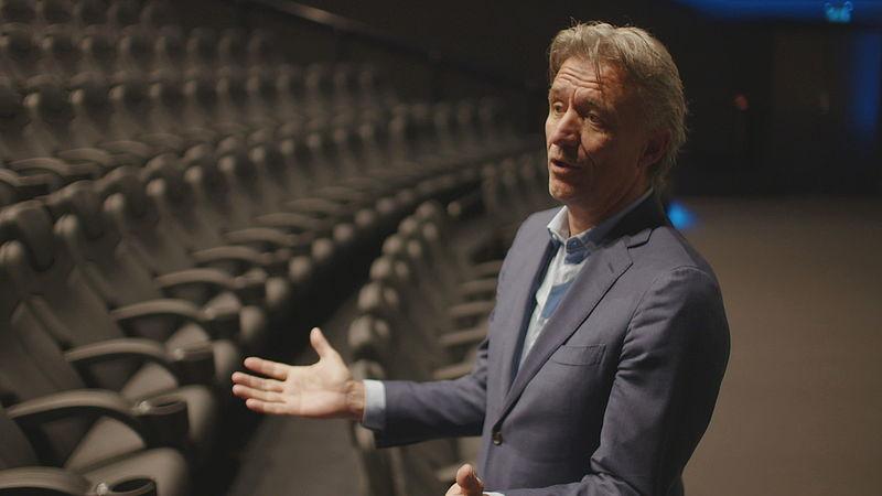 Directeur Ron Sterk van VUEbioscopen