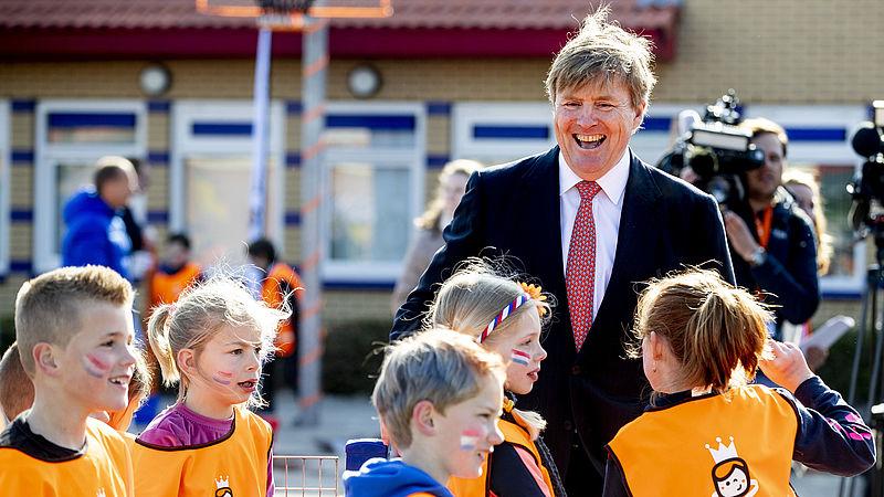 Koning Willem-Alexander populair, maar minder koning van alle Nederlanders