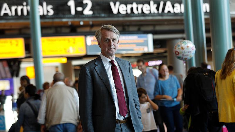 Lobbyhoogleraar: contact Schiphol en minister 'te close'