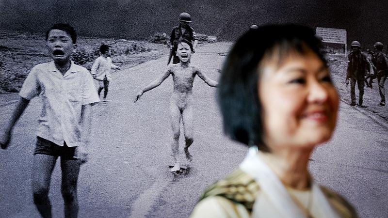 Kim Phuc bij boekpresentatie Het napalmmeisje