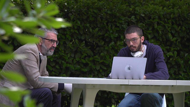 Luca en zijn zoon Stefano Fosco verloren een familielid aan corona