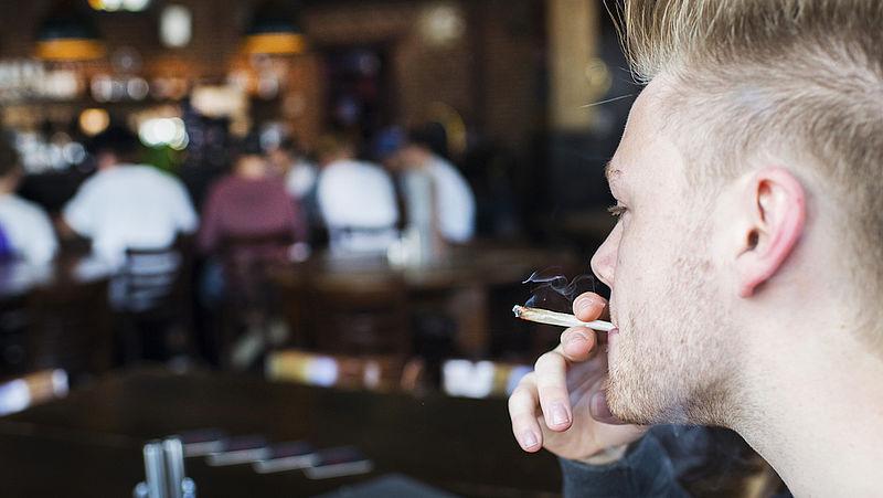 Roken of verdampen? Blowers moeten hun cannabis gezonder gaan nuttigen