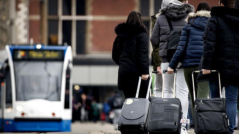 Stadsbestuur Amsterdam krijgt huiswerk van Rekenkamer: pak overlast vakantieverhuur aan