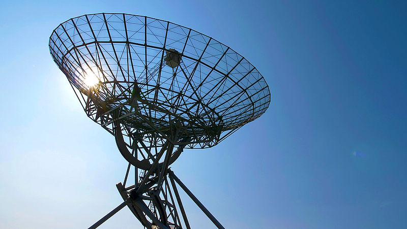 Tweeenorme telescopen gaan testen of Einsteins relativiteitstheorie echt klopt