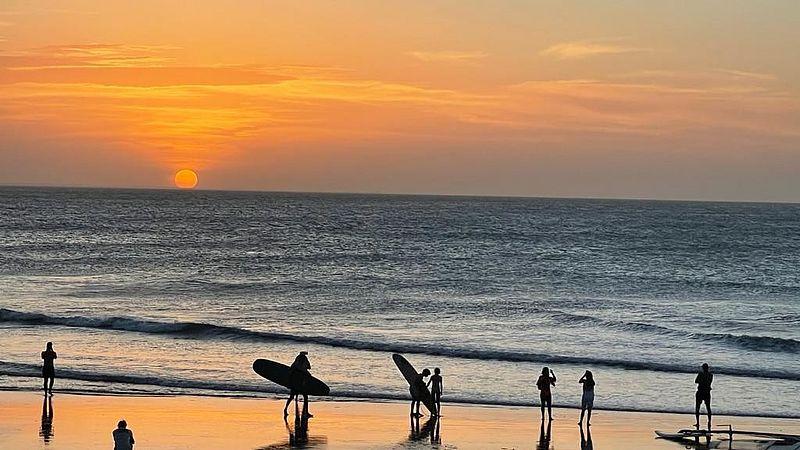 Surfers op het strand van Jericoacoara