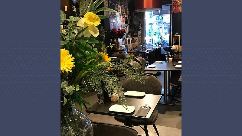 Het lege restaurant van Stephan de Leur