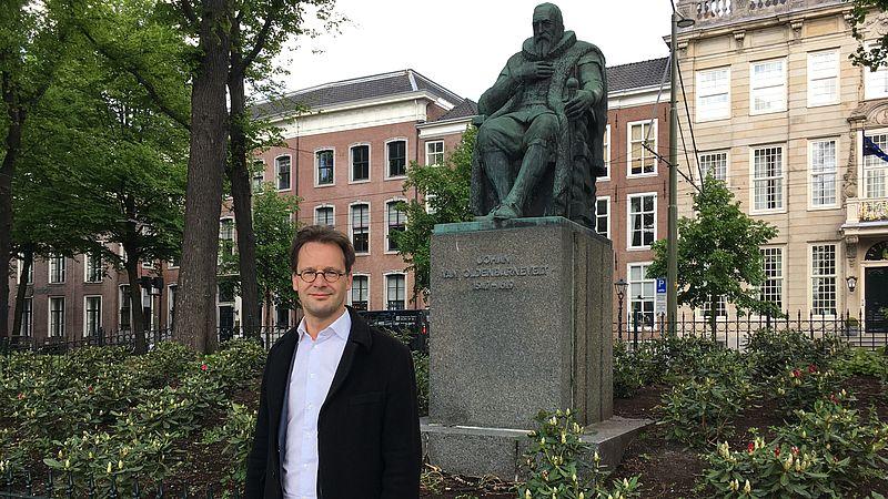 SP-kamerlid Van Raak vindt dat het standbeeld naar het Binnenhof moet