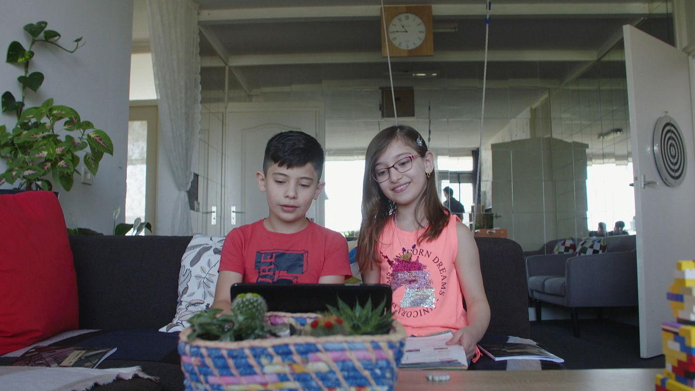 Loop je achter met je schoolwerk? In Utrecht helpen 800 vrijwillige huiswerkbegeleiders achterstande