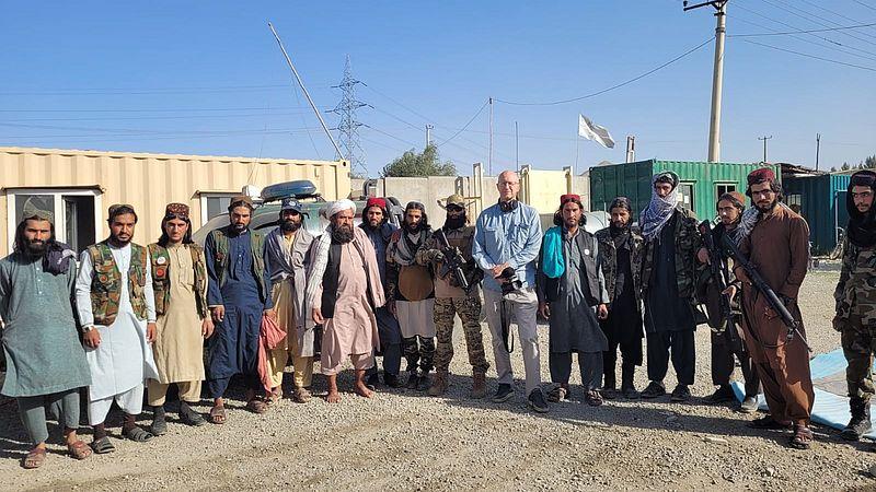 Oorlogsverslaggever Hans Jaap Melissen en talibanstrijders