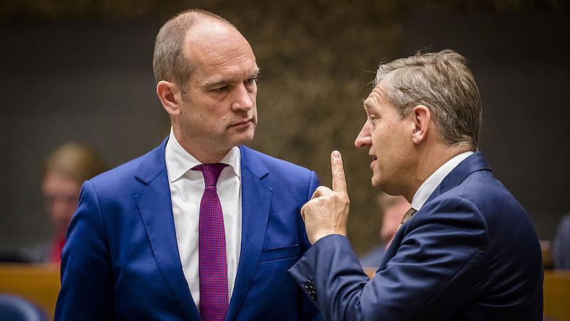 'Buma is een draaikont, Segers houdt principes'
