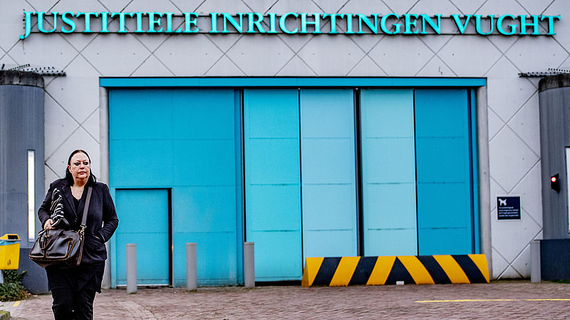Inez Weski bij de EBI in Vught, de gevangenis waar Ridouan Taghi vastzit