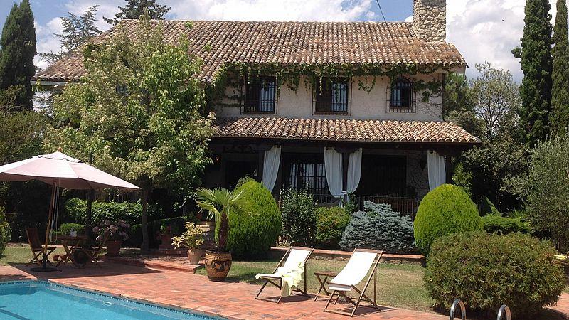 Huizenruil met een bekend Spaans componisten echtpaar in Alphadrete, net buiten Madrid