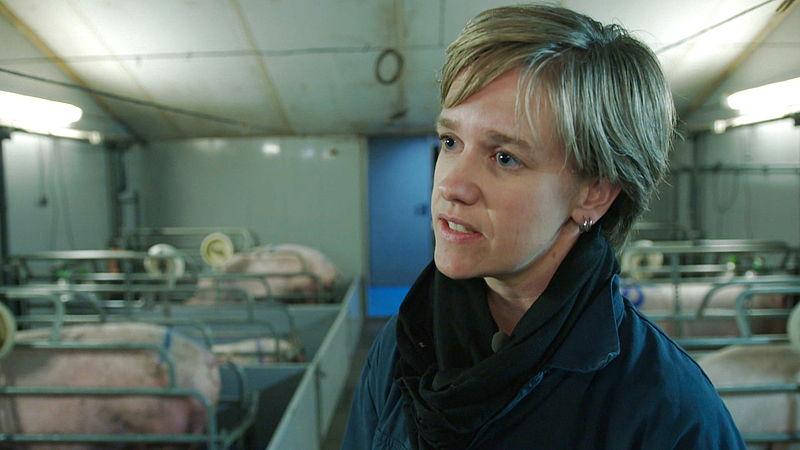Linda Janssen is voorzitter van de POV en vindt dat de boeren onterecht de zondebok zijn