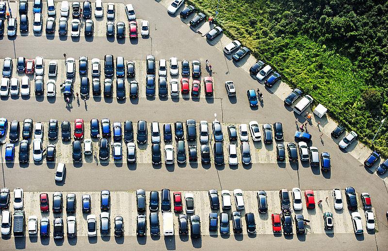 Auto's in Nederland staan bijna de hele dag stil