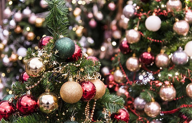 Meerderheid Nederlanders wil kerstboom al voor Sinterklaas in huis