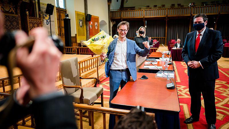 Ronald van Raak na afloop van een stemming over het correctief referendum