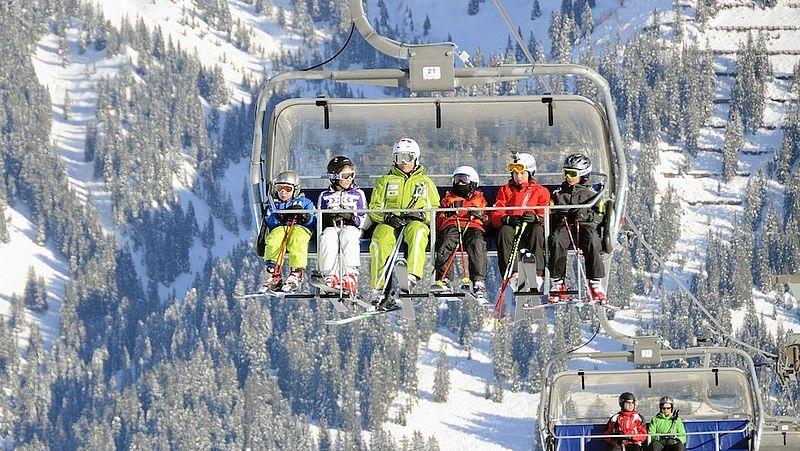 Oostenrijkse autoriteiten waarschuwen Nederlandse après-ski'ers: je kunt besmet zijn met het coronavirus