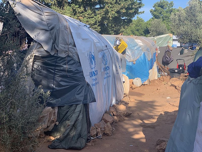 Ratten, slangen en vechtpartijen in Grieks vluchtelingenkamp: 'De situatie is volstrekt onhoudbaar'