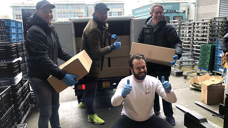 Met een lokale voedselbox houdt worstenmaker Samuel Levie zijn bedrijf en dat van anderen overeind in de coronacrisis