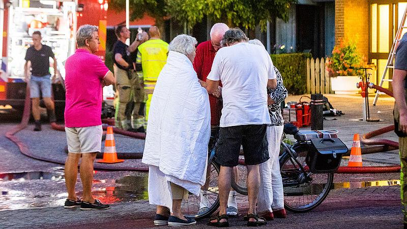 Seniorencomplexen onveilig bij brand: 'We moeten ouderen er letterlijk uit slepen'