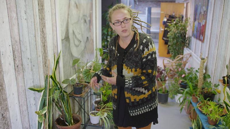 Priscilla Vels runt in Zwolle het plantenasiel voor zieke en verwaarloosde planten