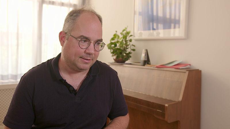 Arjen van Veelen, columnist en schrijver