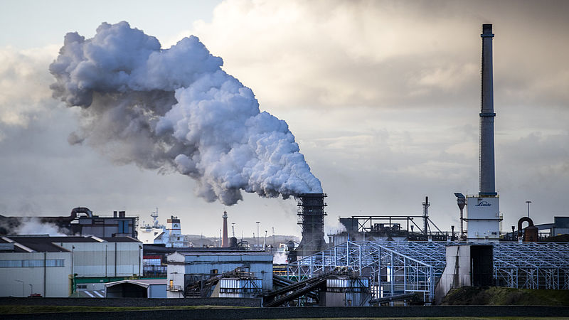 Tata Steel boekt miljoenen winst per jaar en ontslaat duizenden medewerkers tegelijk