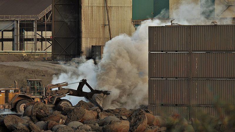 Tata Steel veroorzaakt grafietregens boven IJmond