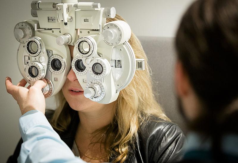Eenmaal bijziend, altijd bijziend: 'Je kunt je oogspieren niet trainen'