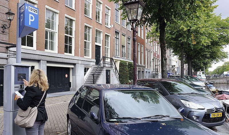 Uurtje parkeren in Amsterdam kost vrouw 720 euro