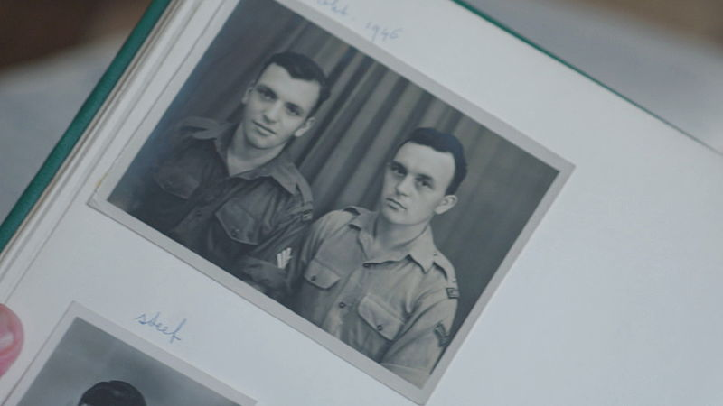 Rechts op de foto de vader van Cees Sommers