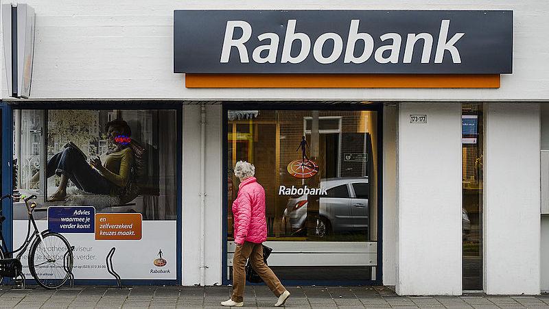 Geld overmaken naar Iran? Rabobank intimideert klanten in Nederland